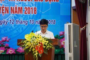 Đồng chí Nguyễn Tuấn Thịnh, Phó chủ tịch UBND huyện Thường Tín báo cáo kết quả thực hiện các nhiệm vụ kinh tế - xã hội 9 tháng đầu năm 2018