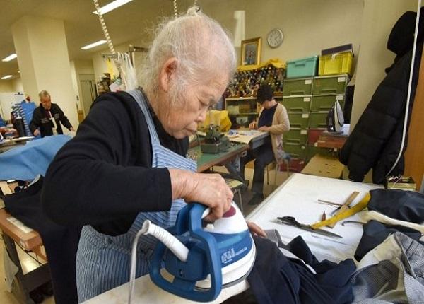 Khi sử dụng người lao động cao tuổi có thể thỏa thuận giao kết(Ảnh mình họa)