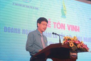 Ông Ngô Xuân Thắng - Chủ tịch LĐLĐ Đà Nẵng phát biểu tại buổi lễ.