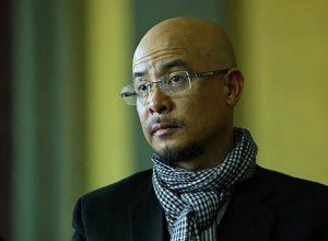 """Dù tỏ ra mệt mỏi nhưng ông Đặng Lê Nguyên Vũ vẫn cho thấy ông rất """"tỉnh"""" tại Tòa."""