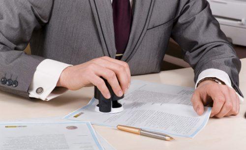 Hợp đồng mua bán nhà đất cần phải được công chứng mới được coi là có giá trị